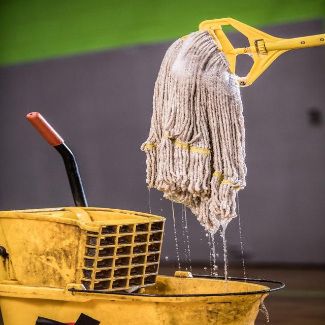 string mop vs microfiber mop